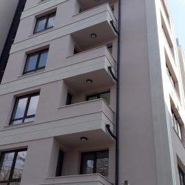 """Тристаен апартамент в кв. """"Лагера"""""""